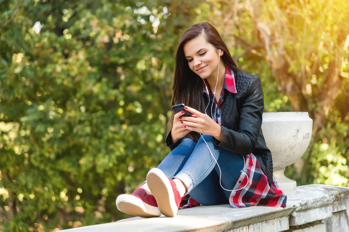 It's important for admissions to engage with prospective students where they spend the most time: On their mobile devices.